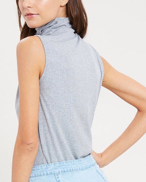 Sleeveless Ribbed Turtleneck Knit Top in Heather Grey