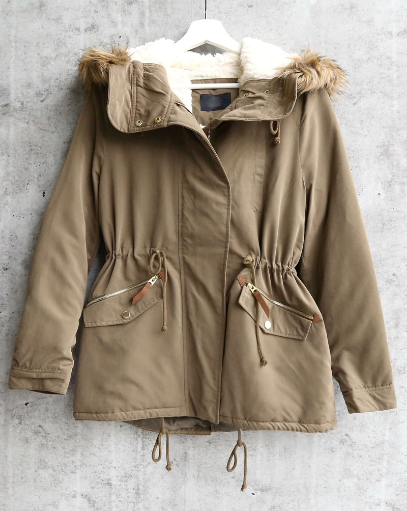stacie faux sherpa lined military hooded utility parka jacket in olive