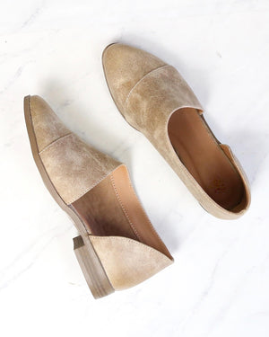 gigi - vegan pointed toe flat - taupe