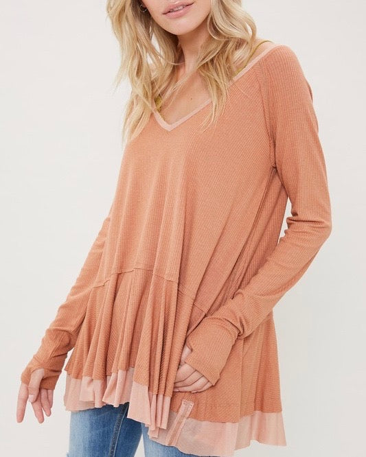 v-neck raglan linen ruffled double hem top with thumb-holes - ginger