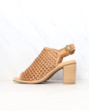 sbicca - vanda women's woven city heel with ankle strap - tan