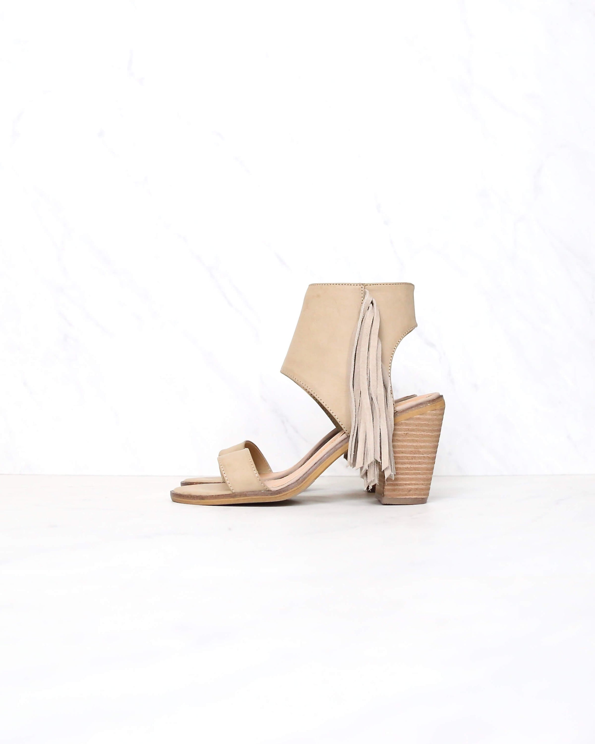 763d732919b very volatile - vermont fringe leather sandals - taupe
