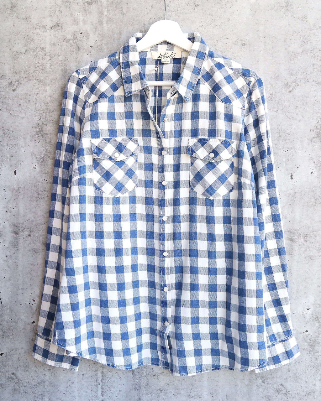 Vintage Affair Soft Button Up Plaid Flannel Long Sleeve Shirt in Indigo/Off White