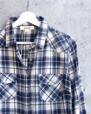 Vintage Affair Soft Button Up Plaid Flannel Long Sleeve Shirt in Navy Blue