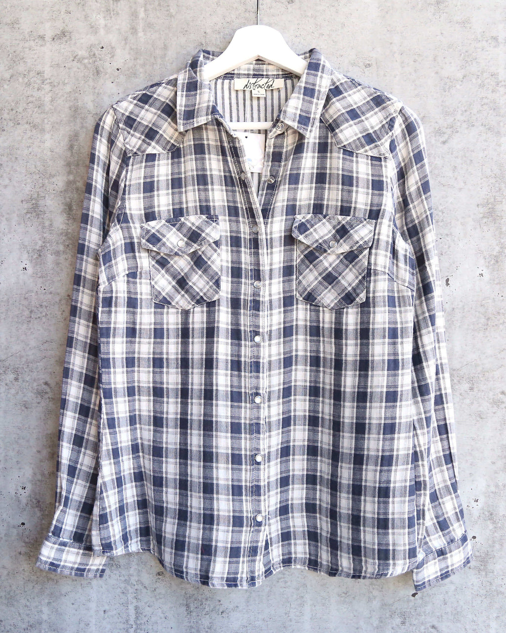 vintage affair soft button up womens plaid flannel long sleeve shirt - navy/white
