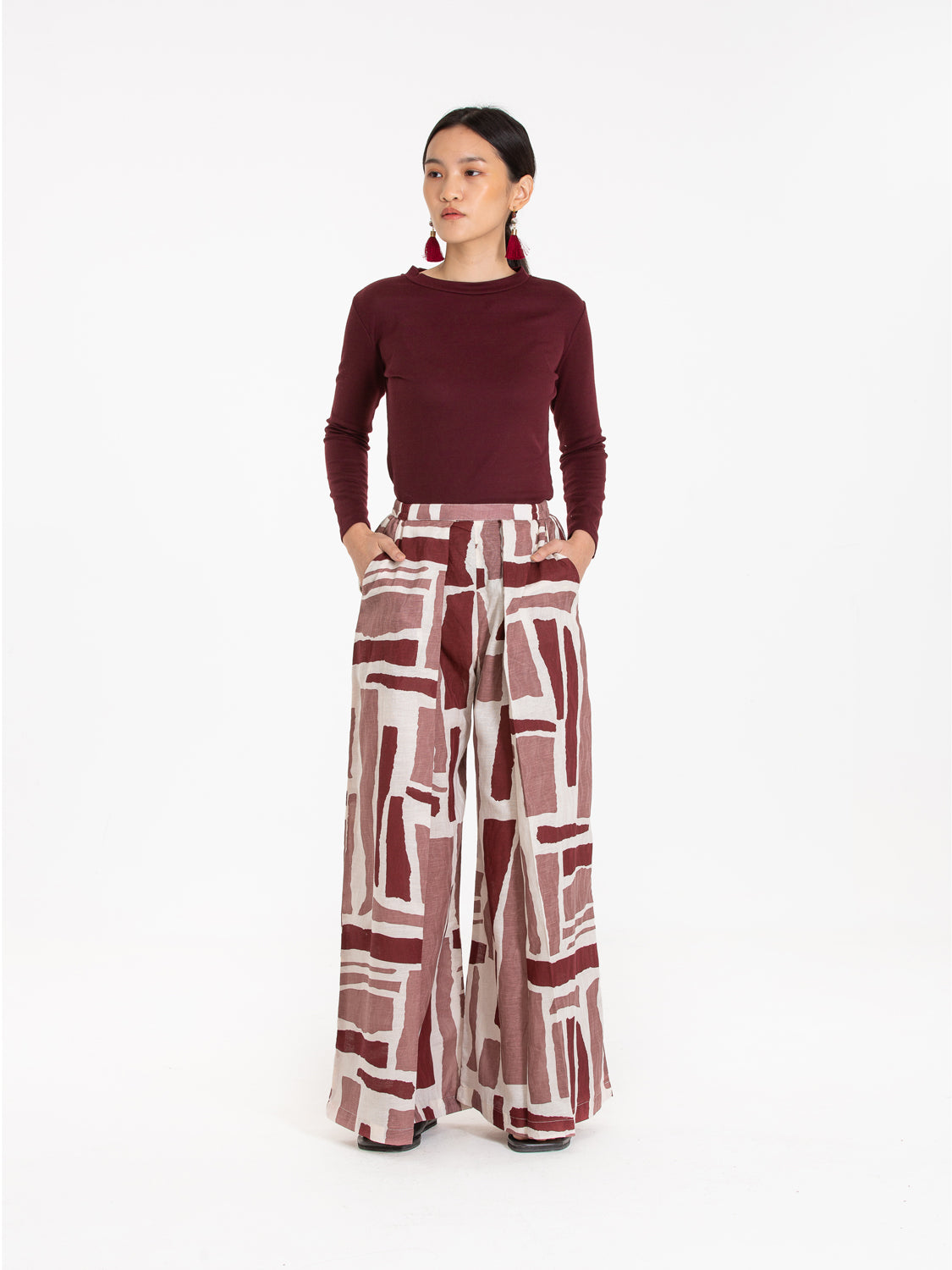 Women: Senja Pleated Pants (Mulberry)