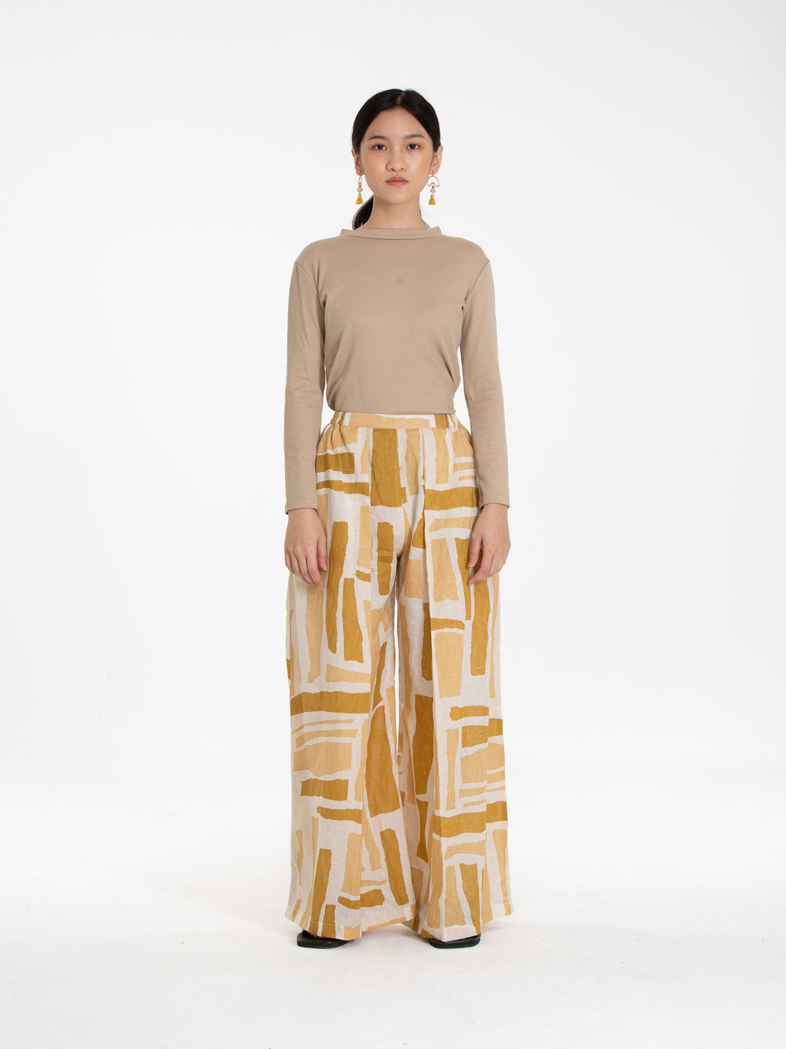 Women: Senja Pleated Pants (Sunset)