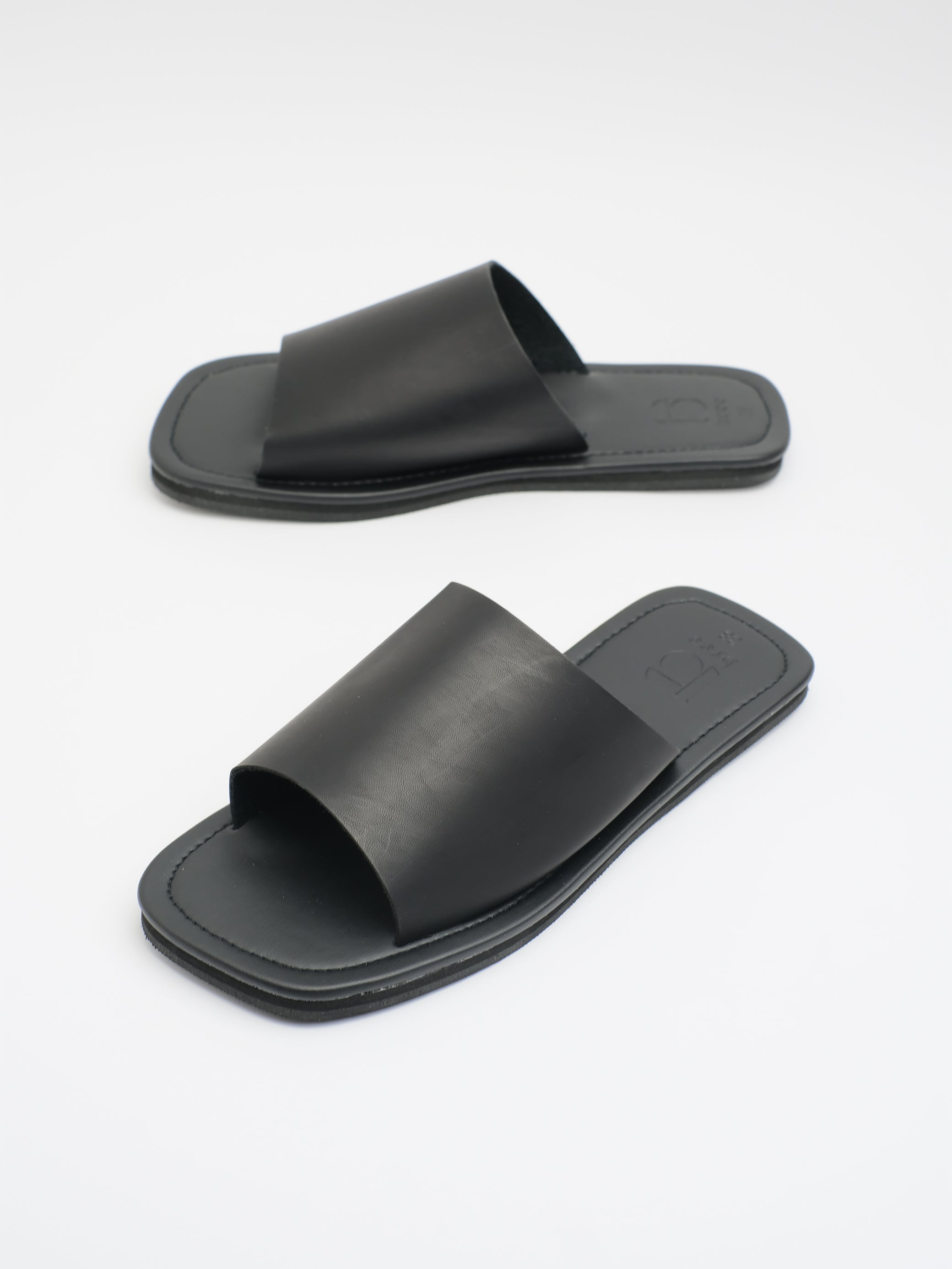 UNISEX: JUD SLIDER (BLACK)