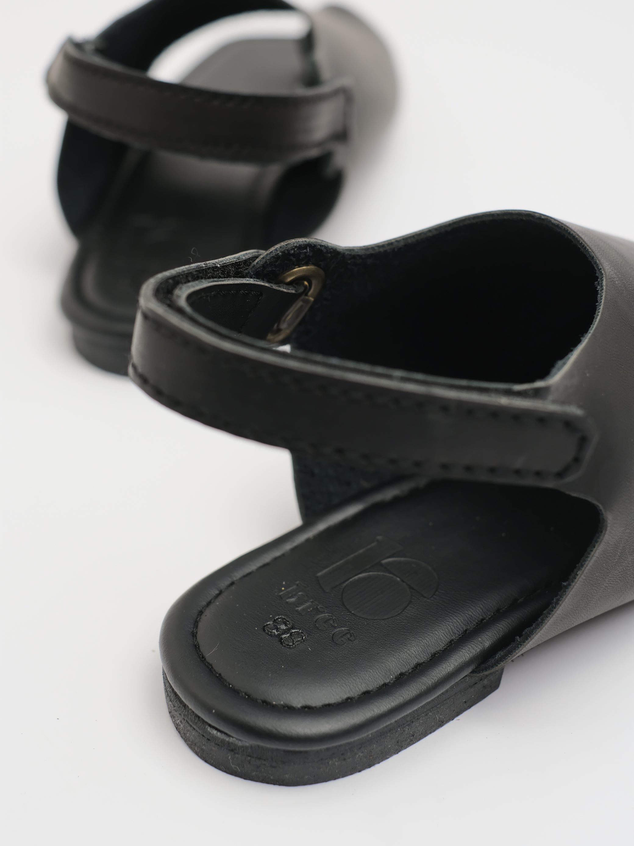 UNISEX: SOL COVERED SANDAL (BLACK)