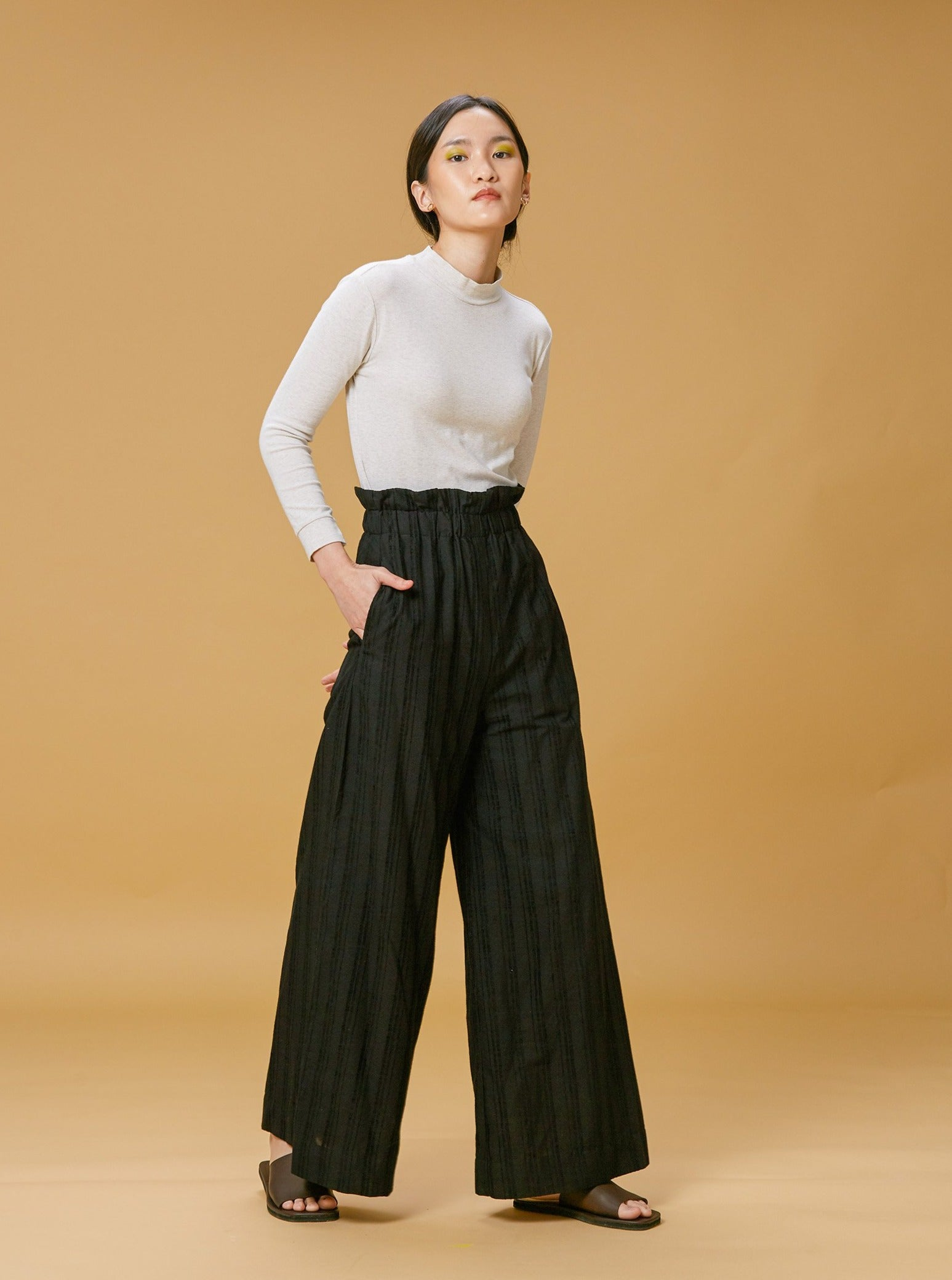 Women: Erat Paperbag Wide Pants (Black)