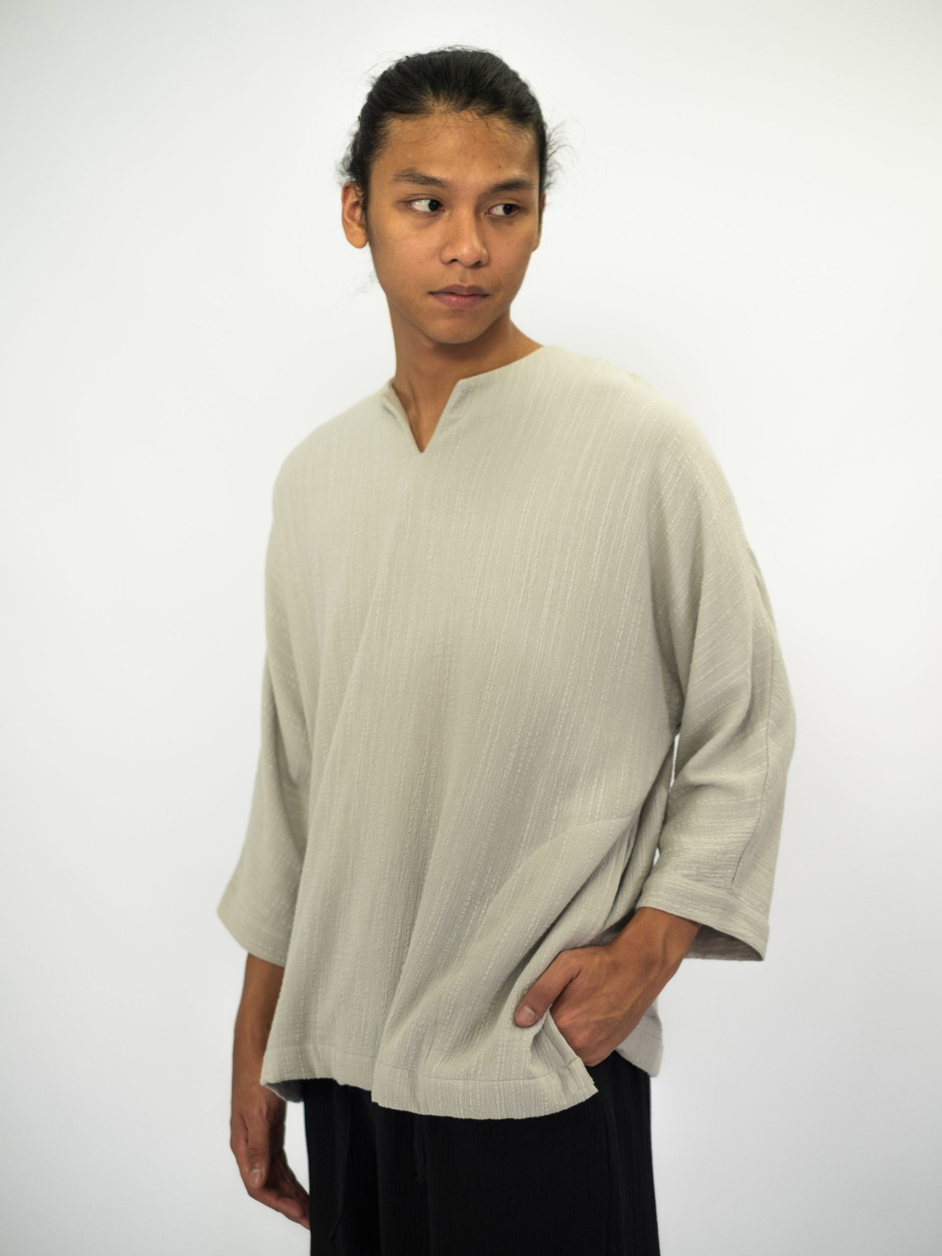 Unisex: Sandar Crinkled Top (Grey)