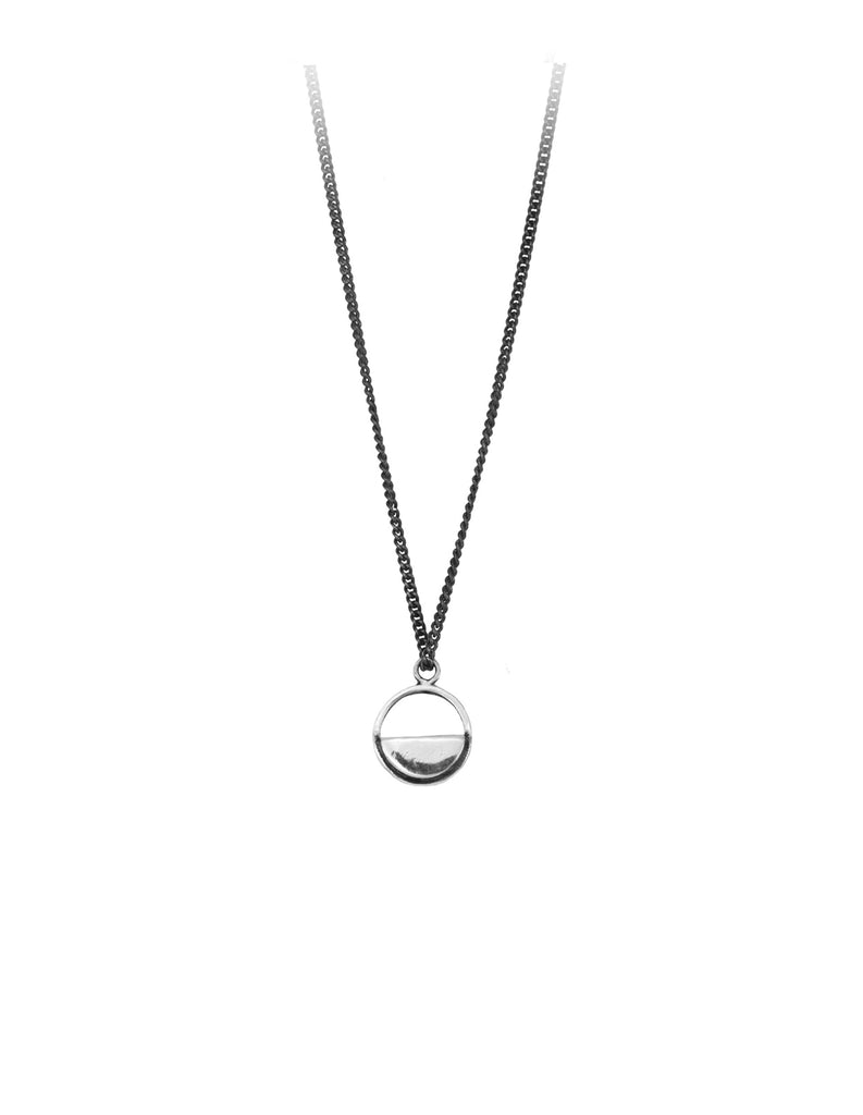 Half illuminated men's necklace in silver by Hay Hofman Jewellery