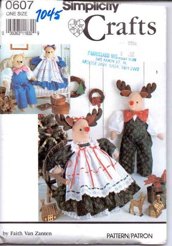 Simplicity 7045 / 0607 Decorative Stuffed Reindeer Doll Bear Christmas Craft Sewing Pattern - VintageStitching - Vintage Sewing Patterns