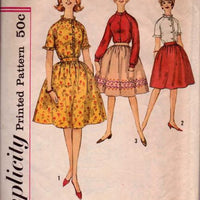 Simplicity 4550 Teen Skirt Blouse Vintage 1960's Sewing Pattern - VintageStitching - Vintage Sewing Patterns