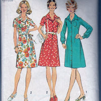 Simplicity 5579 Vintage 1970's Sewing Pattern Ladies Button Front Casual Day Dress - VintageStitching - Vintage Sewing Patterns