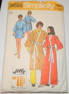 Simplicity 5685 Sewing Pattern Ladies Mens Kimono Robe In Two Lengths - VintageStitching - Vintage Sewing Patterns