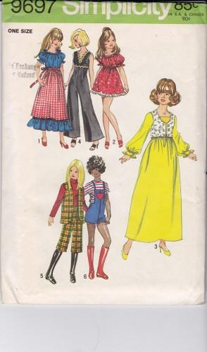 Vintage 1970's Barbie Doll Wardrobe Clothes Pattern Simplicity 9697 - VintageStitching - Vintage Sewing Patterns