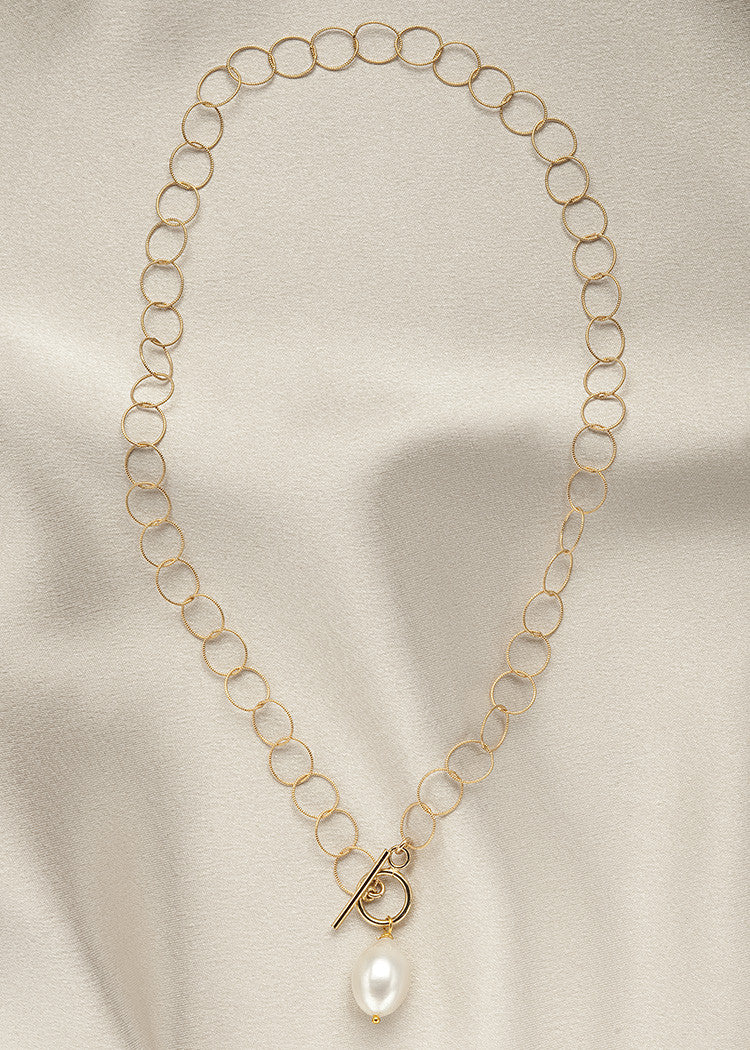 Large, lightweight, 14k gold fill link chain, and front closing toggle clasp, with a beautiful pearl drop