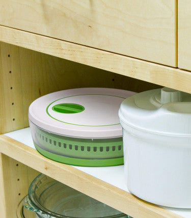 Easy to Store Collapsible Salad Spinner