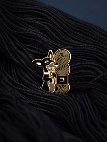Lola the Minpin (enamel pin)