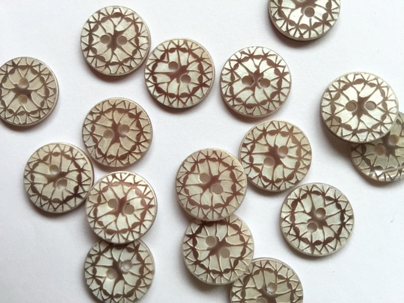 Taupe Laser Pattern Shell Button Size 15mm - TGB2889