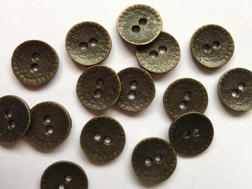 Old Bronze Colour with Embossed Design Metal Button Size 15mm - TGB2902