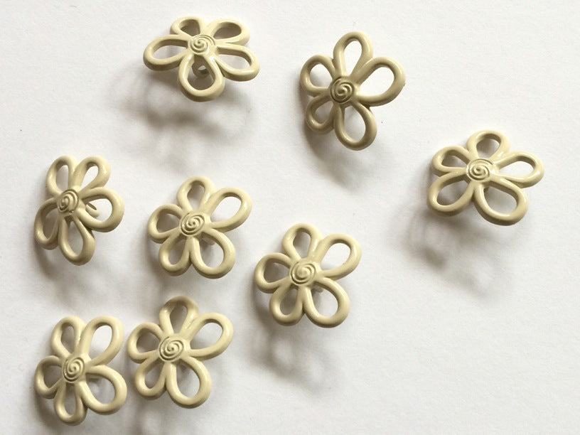 Metal Flower Shape Coated with Cream Resin Size 22mm - TGB1948