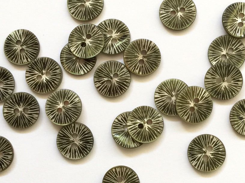 Glossy Dark Green Star Burst Shell Button 12mm - TGB2438