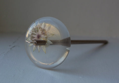 Astrantia Resin Drop Spindle