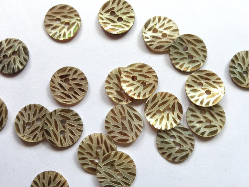 Taupe Laser Leaf Pattern Shell Button 12mm - TGB2859