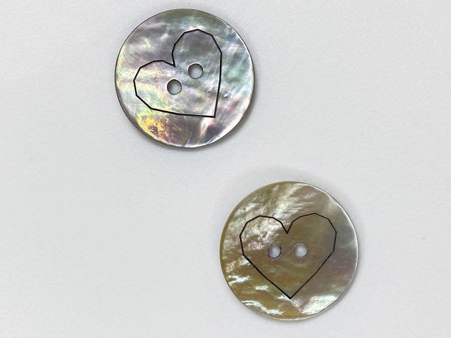 Shell with Laser Heart Button 18mm - TGB213