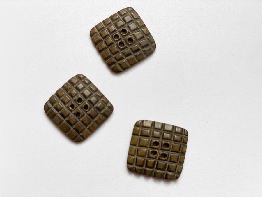 Large Brown Square Etched Button 20mm - TGB2594