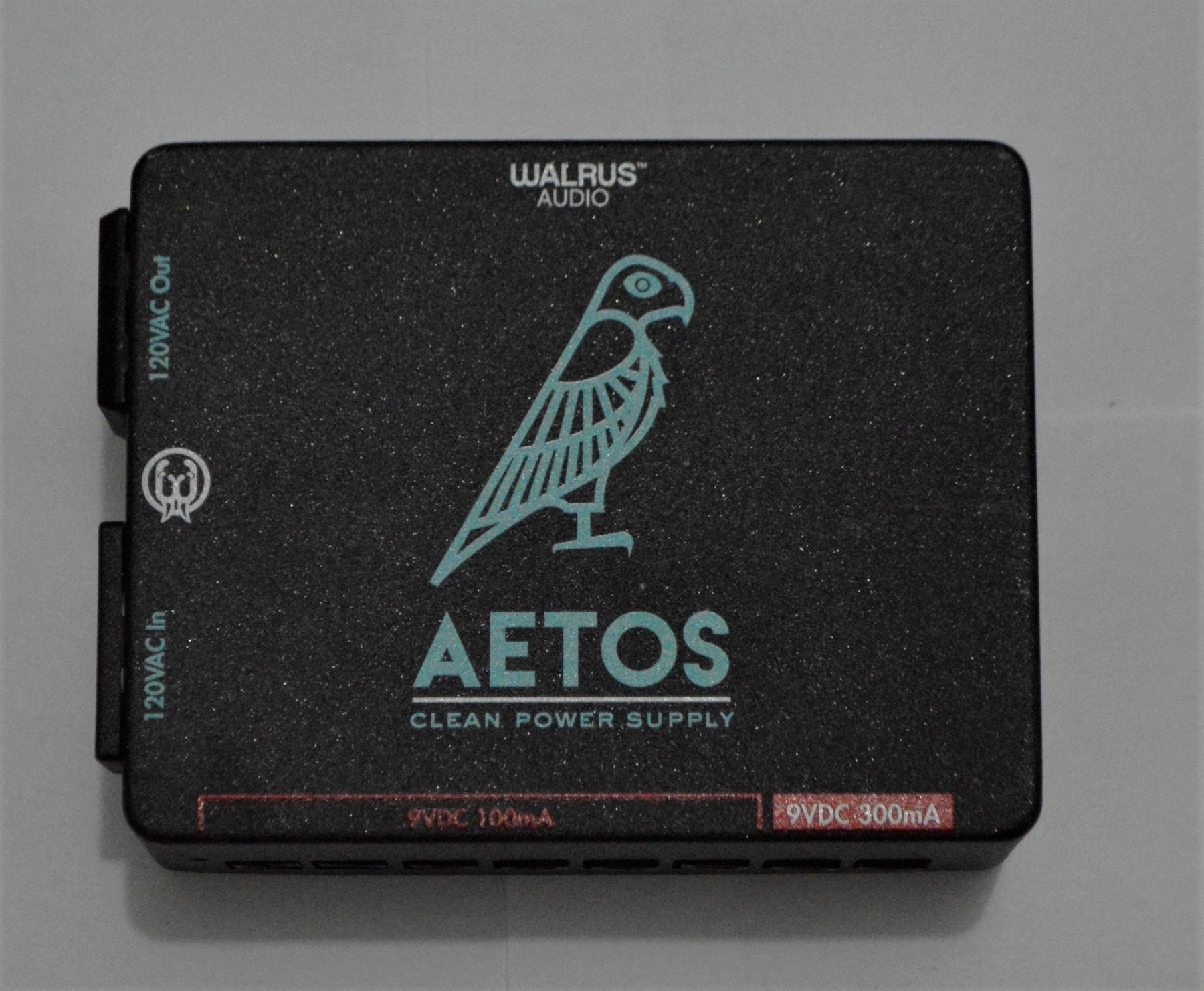 Walrus Audio Aetos (8-output) Power Supply 120V (USADO)