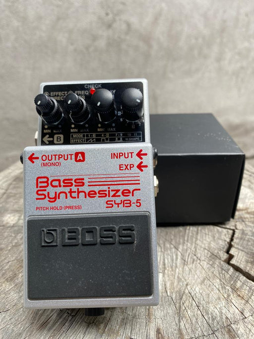 "SYB-5 | Pedal Compacto ""Bass Synthesizer"" - BOSS (USADO)"