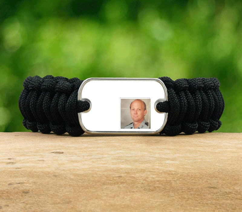 Regular Survival Bracelet - Hero Picture