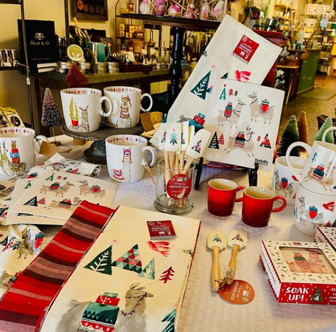 ladles and linens holiday