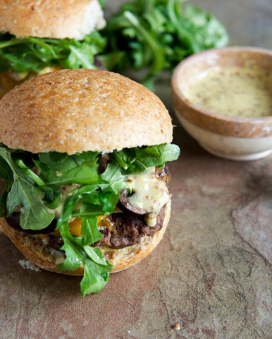veggie burger with arugula