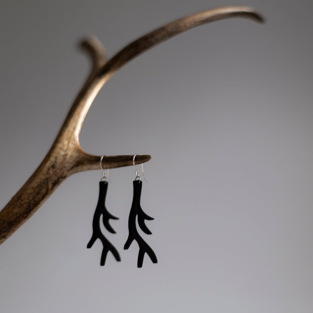 Valona Antler Birch Earrings, Black
