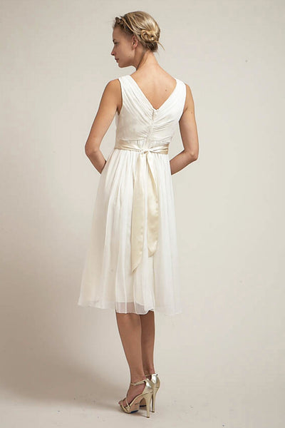 DU6574 Effortless Short V-Neck Wedding Dress