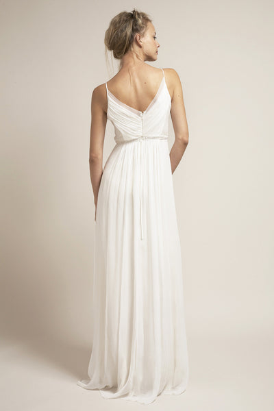 HB6622 Effortless  and Simply Stunning Wedding Dress