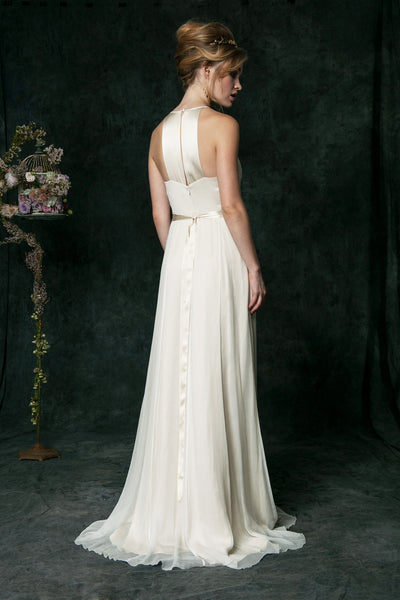 HB6640 Modern Key Hole Neckline Wedding Dress