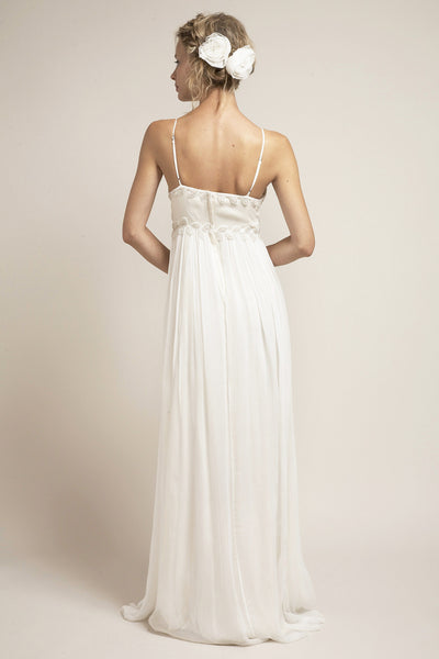 IK6901 A Perfect Beach Wedding or Summer Wedding Dress