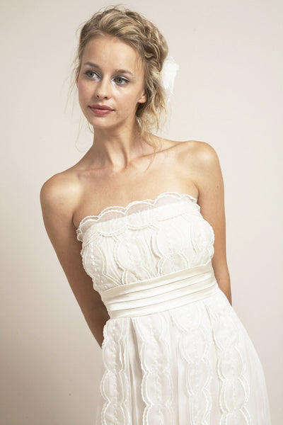 VN6609 Whimsical Ethereal Strapless Wedding Dress