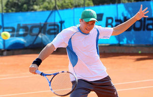 Loriet Player Peter Nagy into the Finals