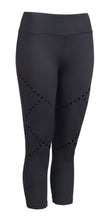 Load image into Gallery viewer, Cross Train Performance Capri Leggings - Black - Loriet Activewear