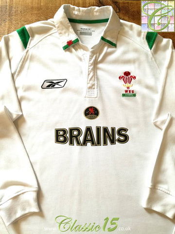 2004/05 Wales Away Rugby Shirt. (Size 16)
