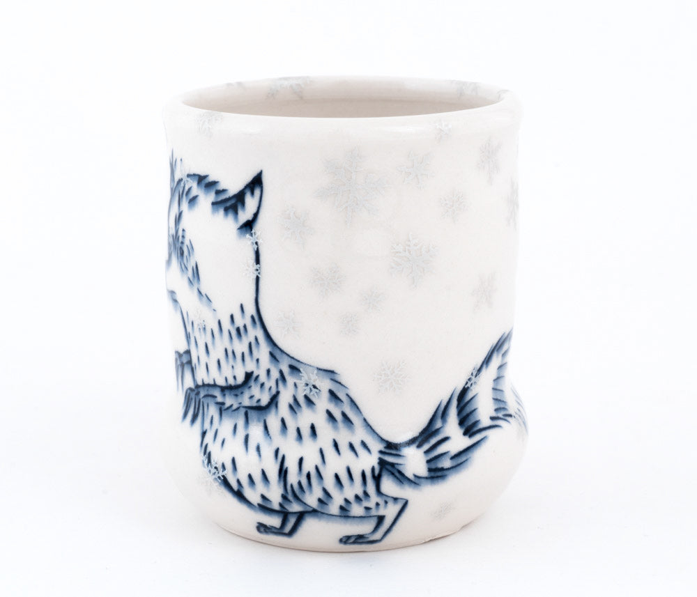 Racoon and Bird in Snow Cup (c-2615) 11 fl oz