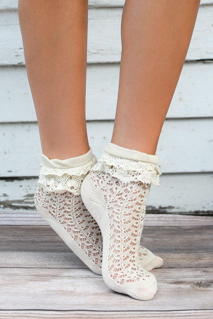 Ivory Ruffle Lace Anklet Sock