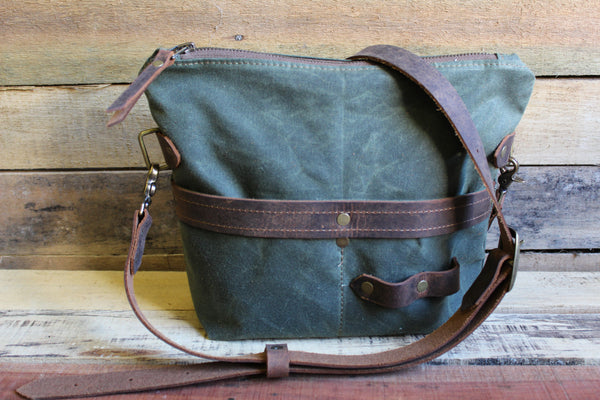 Zipper Top Traveler Bag - Small