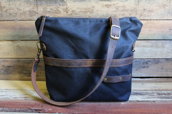 Zipper Top Traveler Bag - Medium